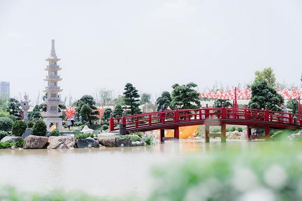Vườn Nhật tạo nên sự cân bằng hoàn hảo giữa hệ sinh thái thông minh của đại đô thị Vinhomes Smart City