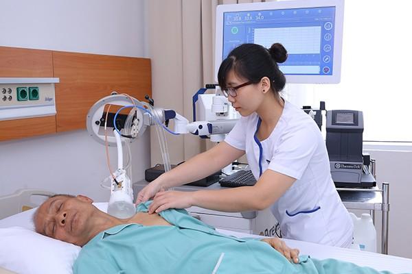 Điều trị bệnh nhân ung thư bằng liệu pháp nhiệt trị tại BV Vinmec Times City