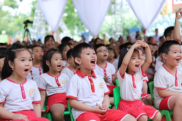 Tại Việt Nam, có 17 tỉnh/thành triển khai chương trình Sữa học đường và đạt được những kết quả bước đầu trong cải thiện tình trạng thể chất của các em học sinh