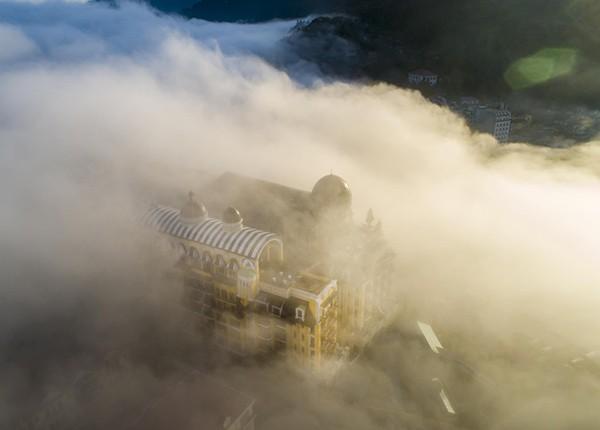 Khách sạn 5 sao quốc tế