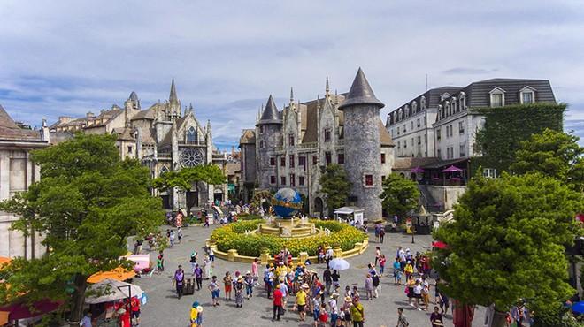 Làng Pháp nằm trong quần thể khu du lịch Sun World Ba Na Hills - Đà Nẵng