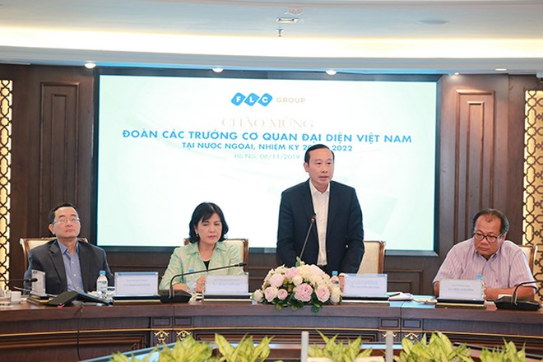 Ông Nguyễn Văn Thảo, Trợ lý Bộ trưởng Bộ Ngoại giao, Vụ trưởng Vụ Tổng hợp kinh tế phát biểu tại buổi làm việc