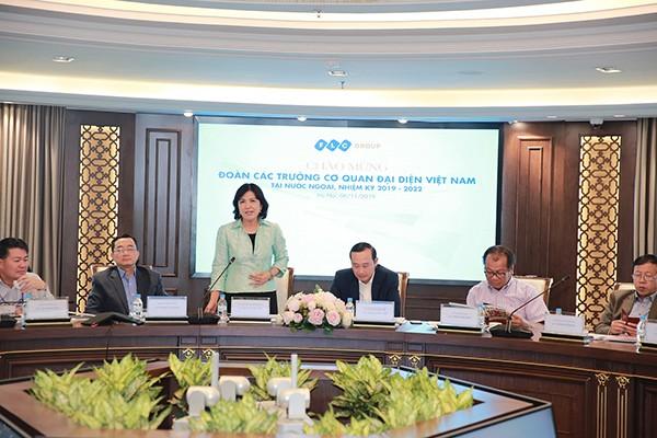 Bà Lê Thị Tuyết Mai - Đại sứ đặc mệnh toàn quyền Việt Nam tại Thụy Sỹ