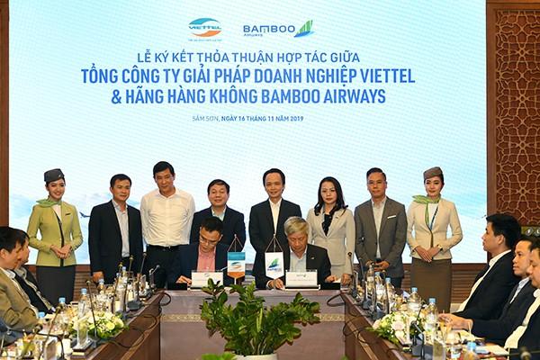 Lễ ký kết Thỏa thuận hợp tác giữa Bamboo Airways và VTS