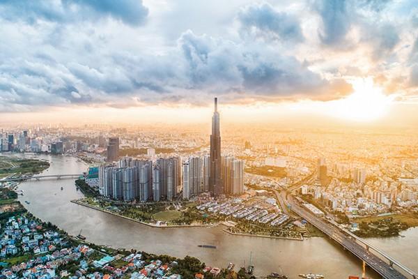 Với sự phát triển không ngừng nghỉ, Vingroup đã đứng đầu Bảng xếp hạng doanh nghiệp tư nhân lớn nhất Việt Nam ba năm liên tiếp.