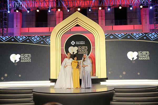 Kể từ khi chính thức vận hành tuyến cáp treo đầu tiên năm 2009, bên cạnh những kỷ lục Guinness trao tặng cho hệ thống cáp treo tại Bà Nà thì giải thưởng từ World Travel Awards hôm nay một lần nữa khẳng định sự độc đáo và những trải nghiệm tuyệt vời mà Sun World Ba Na Hills mang tới cho du khách.
