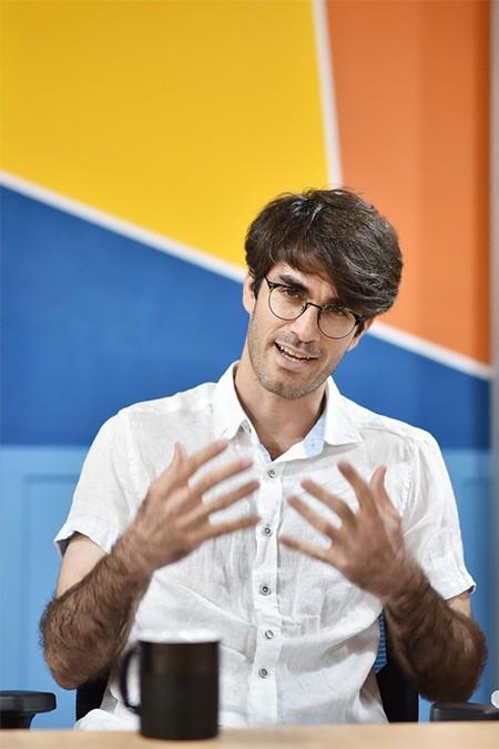 TS Yasin Abbasi-Yadkori, chuyên về khoa học máy tính, tác giả của các công trình nghiên cứu của VinAi vừa được công bố tại NeurIPS 2019.