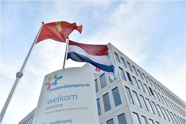 Vương miện Hoàng gia của FrieslandCampina là bảo chứng cho chất lượng nguồn sữa chuẩn Hà Lan