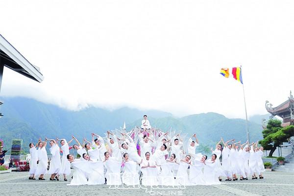 Biểu diễn văn hoá tâm linh đặc sắc tại Sun World Fansipan Legend