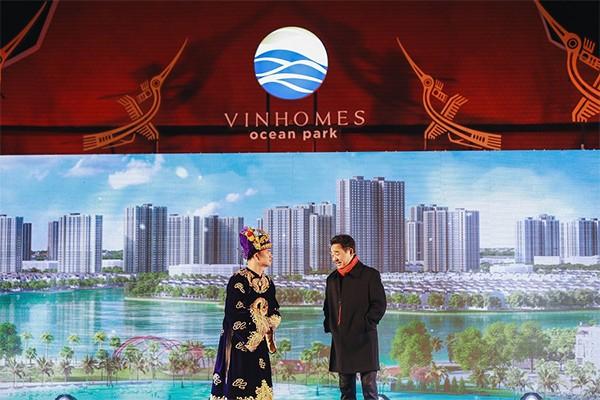 """""""Có Vinmec rồi, 5 sao + hẳn hoi, đi mấy bước là tới. Vợ ta đau phát là hai vợ chồng đi bộ qua đường đẻ luôn""""- """"Anh Hoàng Vinhomes"""" nói"""