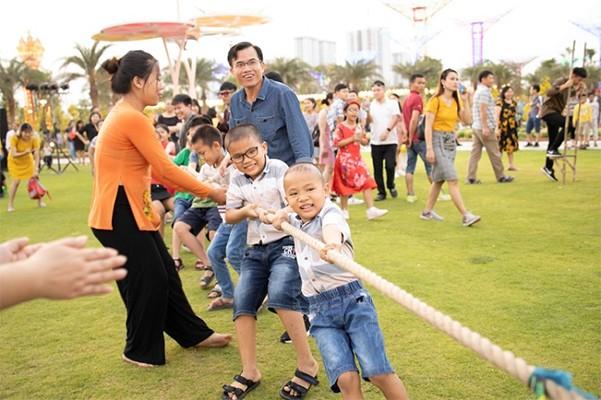 """Những kỷ lục """"gây choáng"""" trong Lễ hội hoa xuân lớn nhất Việt Nam ảnh 10"""