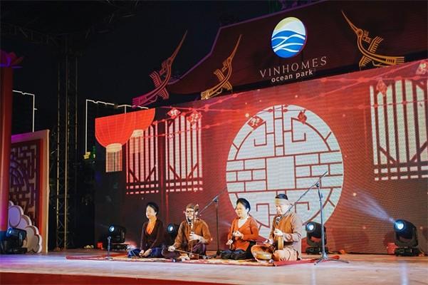 """Những kỷ lục """"gây choáng"""" trong Lễ hội hoa xuân lớn nhất Việt Nam ảnh 11"""