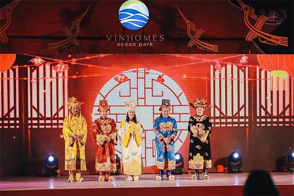 Show diễn Táo Vinhomes quy tụ các nghệ sỹ hài nổi tiếng Việt Nam