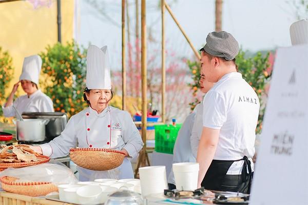 Hội chợ ẩm thực ba miền Bắc-Trung-Nam quy tụ những nghệ nhân nổi tiếng nhất cả nước