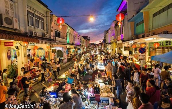 Chợ đêm khu Indochine Shop tại Grand World sẽ là một trong những điểm đến ưa thích nhất của du khách khi đến Phú Quốc (Ảnh minh họa)