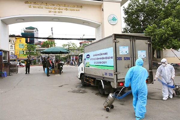 Vinamilk hỗ trợ 1 tỷ đồng tăng cường sản phẩm dinh dưỡng cho các y bác sĩ và bệnh nhân bệnh viện Bạch Mai ảnh 3