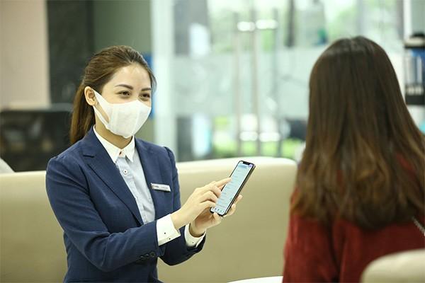 MB đẩy mạnh tư vấn sử dụng app MBBank để giảm tần suất sử dụng tiền mặt cho khách hàng