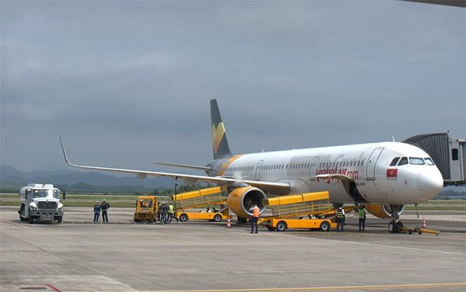 Chuyến bay từ TP. Hồ Chí Minh hạ cánh xuống sân bay Vân Đồn