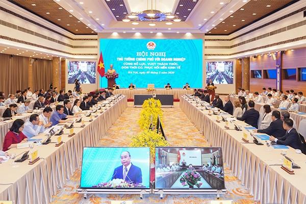 Hội nghị trực tuyến với doanh nghiệp sáng nay được Thủ tướng Chính phủ Nguyễn Xuân Phúc chủ trì