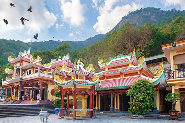 Có gì ở điểm đến linh thiêng nhất Nam Bộ? ảnh 3