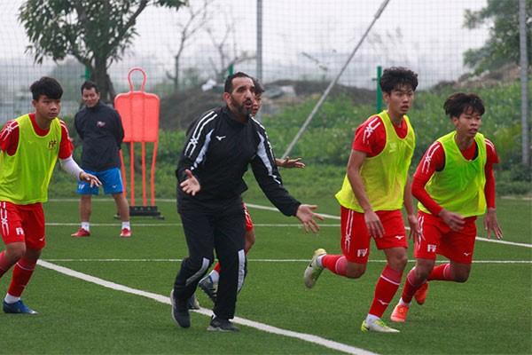 Học viên PVF được ăn tập tại cơ sở hiện đại cùng đội ngũ chuyên gia, huấn luyện viên giàu kinh nghiệm