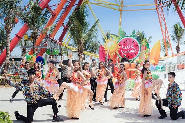 Các hoạt động Carnival sôi động trong dịp khai trương mở cửa trở lại