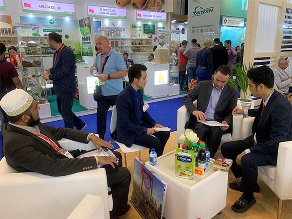 Vinamilk tham gia Hội chợ Gulfood Dubai và ký kết thành công hợp đồng xuất khẩu sữa trị giá 20 triệu USD tại đây