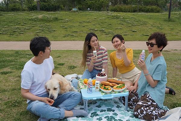 Các sản phẩm sữa đậu nành hạt và trà sữa của Vinamilk đến tay người tiêu dùng Hàn Quốc