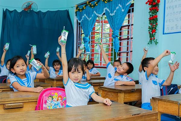 Chương trình giúp cải thiện dinh dưỡng cho các em, để các em có thêm năng lượng học tập, vui chơi, góp phần nâng cao thể lực.