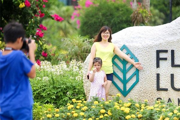 Du lịch với con nhỏ: Bài toán thách thức mẹ Việt