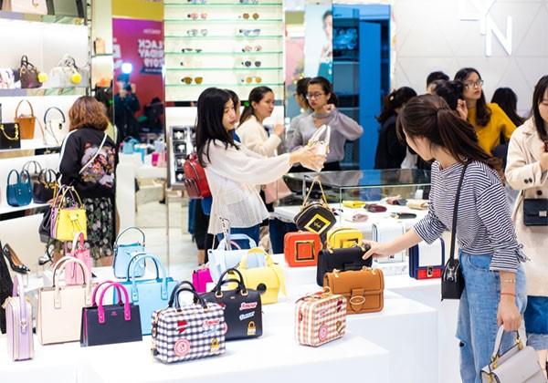 Lễ hội mua sắm Đỏ Việt Nam 2020 là cơ hội vàng để sắm những món đồ hàng hiệu với giá tốt nhất
