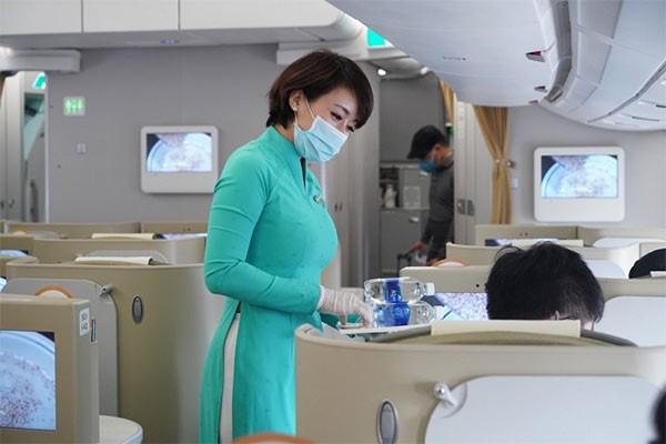 Nhiều biện pháp được Vietnam Airlines áp dụng để mang đến dịch vụ an toàn.