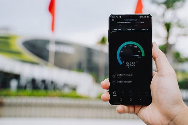 Thử nghiệm tốc độ mạng 5G tại Việt Nam bằng Vsmart Aris 5G