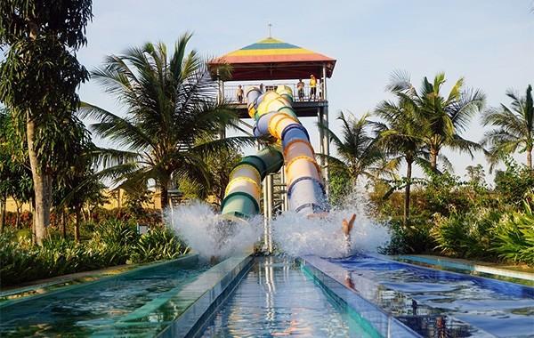 """""""Khuấy đảo"""" mùa hè với hàng chục trò chơi nước siêu hoành tráng tại VinWonders"""