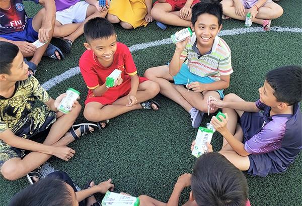 Niềm vui cho trẻ thơ từ triệu ly sữa ngọt ngào ảnh 3