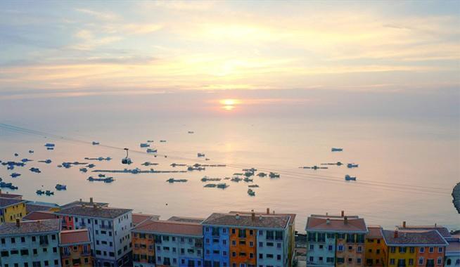 Sun Premier Village Primavera bên bờ biển Nam Phú Quốc