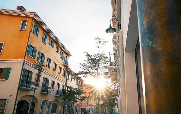 Mục sở thị bức tranh nước Ý mê hoặc qua nghệ thuật theming giả cổ tại Nam Phú Quốc