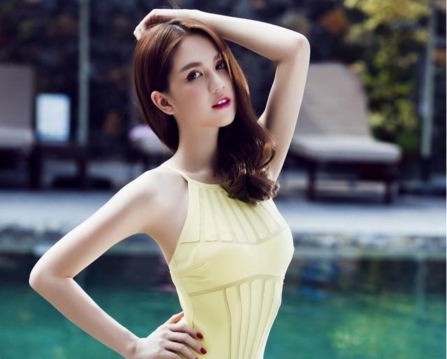 """Ngọc Trinh nhận giải """"Nữ hoàng bikini châu Á"""" tại Hàn Quốc ảnh 5"""