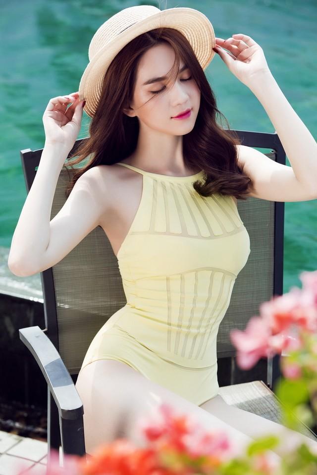 """Ngọc Trinh nhận giải """"Nữ hoàng bikini châu Á"""" tại Hàn Quốc ảnh 3"""