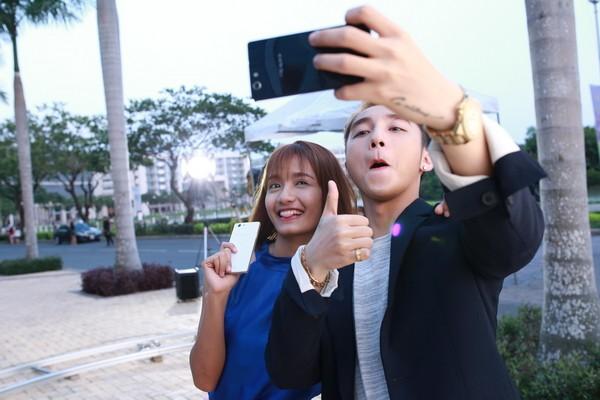 """Sơn Tùng M-TP khoe """"bạn gái mới"""" trong MV """"Âm thầm bên em"""" ảnh 3"""