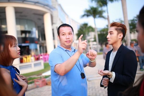 """Sơn Tùng M-TP khoe """"bạn gái mới"""" trong MV """"Âm thầm bên em"""" ảnh 4"""