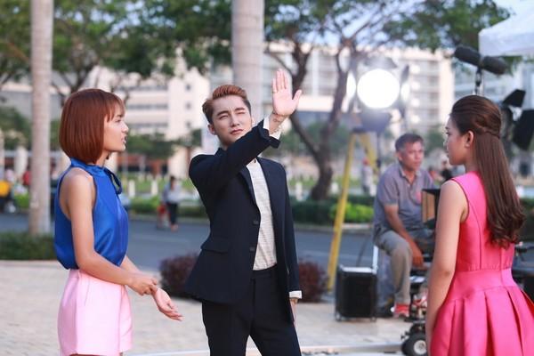 """Sơn Tùng M-TP khoe """"bạn gái mới"""" trong MV """"Âm thầm bên em"""" ảnh 5"""