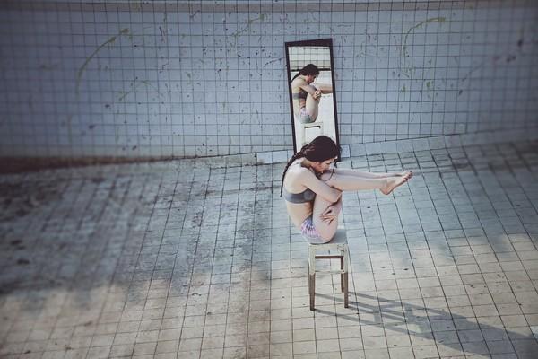"""Phương Trinh Jolie khoe bộ ảnh tập yoga ở """"chung cư ma"""" ảnh 3"""