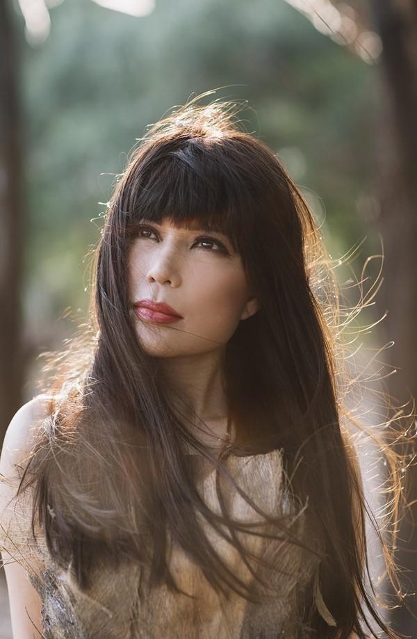 Ca sĩ Nhật Hạ thả dáng quyến rũ, lãng mạn trong rừng ảnh 2