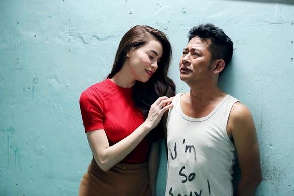 """""""Hy sinh đời trai"""" là bộ phim đầu tiên Hồ Ngọc Hà tham gia, sau 10 năm tạm ngừng sự nghiệp diễn xuất."""