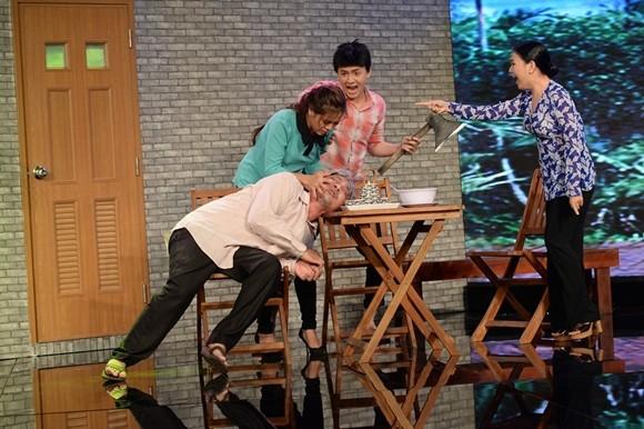 """Chồng """"hoa hậu hài"""" Thu Trang trở thành """"kẻ tham lam"""", """"bắt"""" Lê Khánh làm... nô tỳ ảnh 3"""
