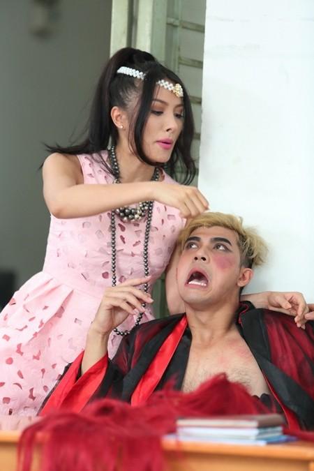 """Yaya Trương Nhi bất ngờ trở thành """"hotgirl osin"""" ảnh 1"""
