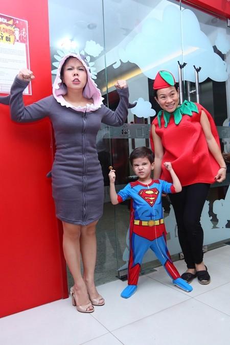 Việt Hương khoe ảnh con gái vui Halloween ở Mỹ ảnh 4