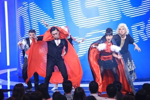 """Angela Phương Trinh bị Trấn Thành """"tọc mạch"""" trên sân khấu """"Ơn giời, cậu đây rồi!"""" ảnh 7"""