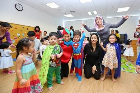 Việt Hương khoe ảnh con gái vui Halloween ở Mỹ ảnh 9